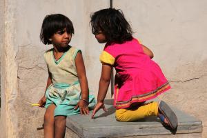 India 11 082
